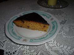 Ένα τέλειο κέικ πορτοκάλι που κανείς δε θα καταλάβει πως είναι νηστίσιμο.