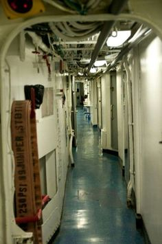 Main passageway on the Barry, very similar to the Forrest Sherman.