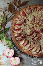 Kermaruusu: Mehevä omenapiirakka - 9-vuotiaalle blogilleni Pie Co, Sweet Pastries, Apple Pie, Vegetable Pizza, Quiche, Camembert Cheese, Food And Drink, Baking, Vegetables