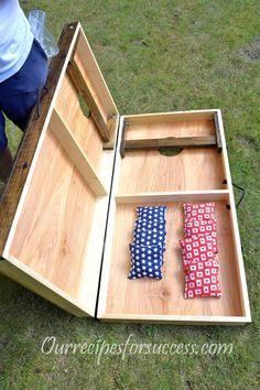 Need plans to build a good qualilty DIY Cornhole game? This article walks you through making them and offers free, no obligation plans. Get yours today. Woodworking Projects Diy, Diy Wood Projects, Diy Projects To Try, Wood Crafts, Woodworking Tools, Woodworking Furniture, Diy Furniture, Diy Crafts, Diy House Projects