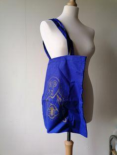 Den, Screen Printing, Tote Bag, Blue, Screen Printing Press, Silk Screen Printing, Carry Bag, Tote Bags, Screenprinting