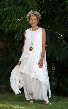 White mixed silk bridal asymmetrical drape tunic -:- AMALTHEE -:- n° 3430