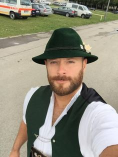 Traditional Fashion, Traditional Outfits, Suit Fashion, Mens Fashion, Beard Pictures, Lederhosen, German Men, Great Beards, Handsome Faces