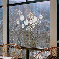 Bolas de Navidad en vinilo al acido para colocar en los cristales y que deje pasar la luz