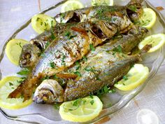 Greek Recipes, Fish Recipes, Seafood Recipes, Snack Box, Fish And Seafood, Chicken Wings, Fish Food, Sea Food, Pork