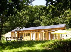 Finally! A not-totally-ugly earthship!