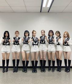 Wonderland, Say My Name, Lineup, Kpop Girls, Girl Group, Fandoms, Outfits, Stage, Alice