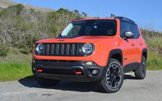 We have 2015 Jeep Renegade Latitude SUV in Omaha Orange! Drive away in style when you purchase this vehicle! #CDJR #Ohio #Jeep #JeepLife