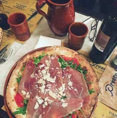 Nous sommes ouverts ! Quoi de mieux quune bonne pizza pour profiter de ce jour férié !  #prestofresco #italianfood #italien #pasta #pizza #restaurantitalien #mangeritalien #gourmand #gastronomie #food #cucinaitaliana #italiancuisine