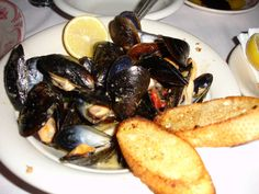 Maggiano's Restaurant Copycat Recipes: Tuscan Mussels