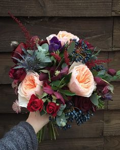 Picking the Perfect Flower Wedding Bouquet November Wedding Flowers, Fall Wedding Flowers, Fall Wedding Colors, Bridal Flowers, Flower Bouquet Wedding, Floral Wedding, April Wedding, Simple Wedding Bouquets, Bridal Bouquet Fall