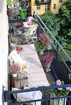ideas for apartment patio garden ideas tiny balcony outdoor spaces Narrow Balcony, Tiny Balcony, Porch And Balcony, Outdoor Balcony, Rooftop Garden, Balcony Garden, Outdoor Rooms, Outdoor Living, Outdoor Decor