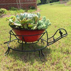 Patio Life - in. H Turtle Planter - Steel construction. Modern Planters, Diy Planters, Planter Pots, Diy Garden Bed, Iron Furniture, Flower Stands, Garden Structures, Plant Holders, Yard Art