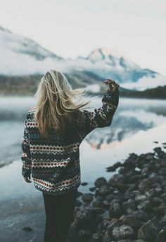 beautiful world! wanderlust, adventure and travel Adventure Awaits, Adventure Travel, Adventure Outfit, Adventure Style, Nature Adventure, Sassy Hair, Hair Flip, Adventure Is Out There, Looks Cool