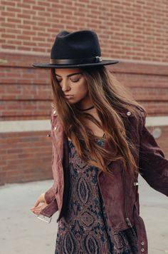 Boho Look | Bohemian boho style hippy hippie chic bohème vibe gypsy fashion indie folk the 70s