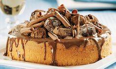 Para quem não abre mão do chocolate, o bolo de trufas é de encher os olhos.