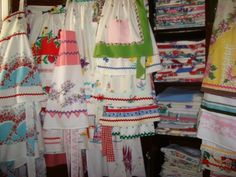 oooooh, pretty vintage linens remade into pretty aprons!