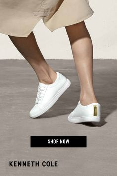 Girls Sneakers, Sneakers Fashion, Fashion Shoes, White Nike Shoes, Nike Air Shoes, Women's Lace Up Shoes, Hot Shoes, Fresh Shoes, Sneaker Heels