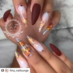 33 Stunning Gold Foil Nail Designs To Make Your Manicure Shine - Nails - halloween nails Foil Nail Designs, Fall Nail Art Designs, Acrylic Nail Designs, Cute Nails, Pretty Nails, Fall Acrylic Nails, Acrylic Art, Thanksgiving Nails, Manicure E Pedicure