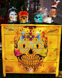 I want to do this to that old chest of drawers - Sugar Skull Dia de los Muertos Day by shabbyloco Skull Furniture, Funky Furniture, Furniture Makeover, Painted Furniture, Mexican Furniture, Sugar Skull Decor, Sugar Skulls, Candy Skulls, Decoration Inspiration
