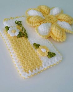 Dicas Verdes Banyo – home accessories Baby Afghan Crochet Patterns, Potholder Patterns, Crochet Flower Patterns, Crochet Doilies, Crochet Flowers, Puff Stitch Crochet, Crochet Stitches, Free Crochet, Crochet Towel Topper