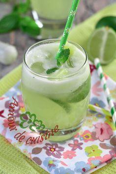 mojito sans alcool, cocktail menthe et citron vert - Amour de cuisine - Ananas Cocktail Blue Drinks, Cocktail Drinks, Cocktails, Non Alcoholic Mojito, Italian Cream Soda, Alcholic Drinks, Drink Dispenser, Pineapple Juice, Yummy Drinks
