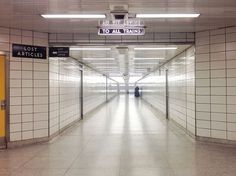 Bay subway station corridor, photo by David Vereschagin.