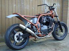 ROOK Bandit Bobtrack delkevic downpipes an gpr deeptone exhaust. Dirt track, bobber, Suzuki, bandit 1200