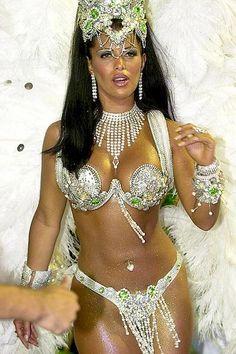 like the jewels matching the costume around the nek