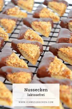 Nussecken Nussecken & Ich muss backen The post Nussecken & Kuchen & Torten appeared first on Essen und trinken . Banana Bread Recipes, Vegan Breakfast Recipes, Beignet Nutella, Cake Mix Cookies, Breakfast Casserole, Food Cakes, Crockpot Recipes, Cookie Recipes, Easy Meals