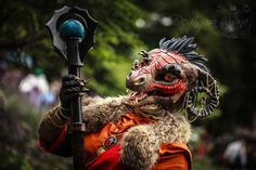 """Argonian cosplayer. Just... wow! That's some craftsmanship. Probably at least """"expert"""" level, in fact."""