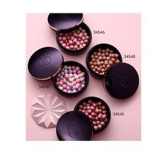 Πέρλες Λάμψης Giordani Gold-34547€22,30 €7,70 25gΑνανεωμένες μπρονζέ πέρλες με νέα πιο πλούσια χρώματα με μεγαλύτερη ένταση, εμπλουτισμένες με Youth Essence, με ιδιότητες που γεμίζουν την επιδερμίδα και μέταλλα soft-touch που χαρίζουν απαλότητα και λάμψη. Αυτές οι πέρλες έχουν δημιουργηθεί προσεκτικά στο χέρι από ειδικούς στην Ιταλία, για τέλεια απόδοση χρώματος, στην ένταση που επιθυμείτε.