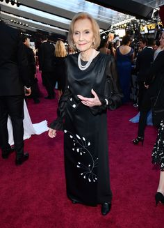 noneEva Marie Saint arrives at the Oscars on Sunday, March 4, 2018, at the Dolby Theatre in Los Angeles. (Charles Sykes/Invision/AP)