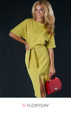 Solid half sleeve midi X-line dress, gorgeous dress, women's wear, preorder. Simple Dresses, Day Dresses, Casual Dresses, Fashion Dresses, Dresses For Work, Summer Dresses, Office Dresses, Mode Outfits, Chic Outfits