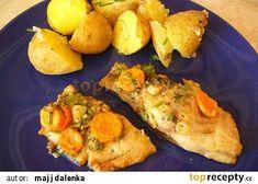 Třeboňský kapr na másle recept - TopRecepty.cz Baked Potato, Potatoes, Meat, Chicken, Baking, Ethnic Recipes, Kochen, Beef, Bread Making