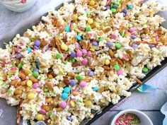 The post Bunny Bait Easter Crack appeared first on Instanaliz . Easter Snacks, Easter Appetizers, Easter Candy, Easter Treats, Easter Recipes, Dessert Recipes, Easter Desserts, Easter Food, Easter Gift