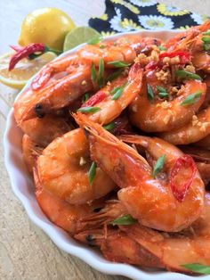 Halabos na Hipon is a simple Filipino shrimp recipe where shrimp is cooked with garlic and lemon soda. Super easy to make using basic ingredients and ready in less than 20 minutes. Filipino Shrimp Recipe, Easy Filipino Recipes, Shrimp Recipes Easy, Filipino Food, Pochero Recipe, Giniling Recipe, Pork Belly Recipes, Beef Recipes, Vegetarian Recipes