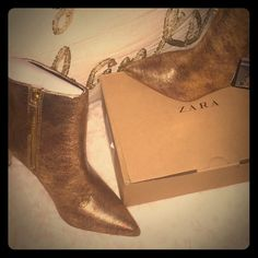 Sale!! NWT ZARA LEATHER GOLD ANKLE BOOTS SIZE 6 New with tags genuine leather sold out!!! Zara Shoes Ankle Boots & Booties