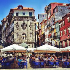 Living outdoors in Oporto, Portugal    Such aunique colours, such a laid back atmosphere☀ - @Jiri Jacknowitz Siftar