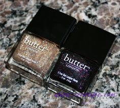 If you are a nail polish junkie you must see her blog! She has the best swatches,this combo is amazing! Hoping Santa will leave it under my tree :)