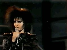 Siouxsie being sexy and classy while performing Candyman <3 <3 #FreeCandy #BitchesLoveFreeCandy
