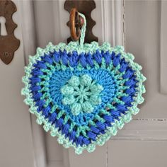 Tecendo Artes em Crochet: Coração Mega Fofo com Gráfico!