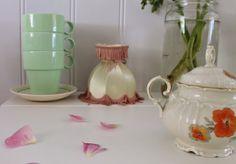 Kjøkkenkroken og nye loppisfunn :O) Nye, Sugar Bowl, Bowl Set, Tea Time, Kitchen, Cuisine, Kitchens, High Tea, Stove