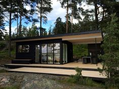 Moderni sauna Sunhouse Mini House Plans, Dream House Plans, Prefabricated Houses, Prefab Homes, Cottage Design, House Design, Modern Saunas, Home Spa Room, Sauna House
