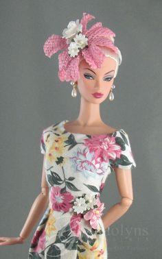Floral Fascinators, Fascinator Hats, Beautiful Dolls, Beautiful Dresses, Fashion Dolls, New Fashion, Plastic Girl, English Roses, Floral Prints