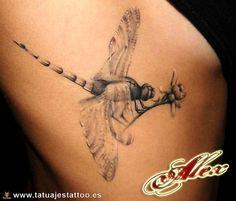 libélula tatuaje