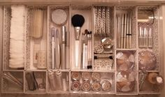 コスメティック&メイク道具の美的収納① の画像 「収納」は思いやり★草間雅子の美的収納ブログ