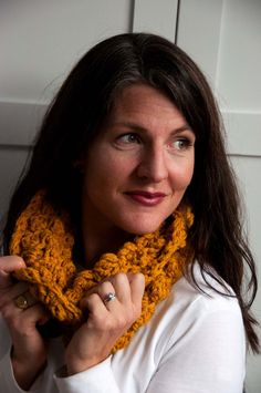 Aesthetic Nest: Crochet: Sedge Stitch Cowl (Tutorial for Waverly)  ༺✿Teresa Restegui http://www.pinterest.com/teretegui/✿༻