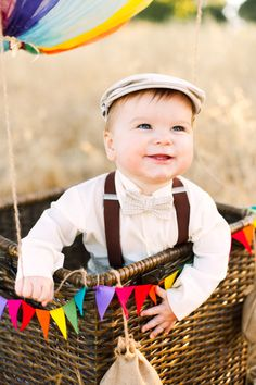 THIS IS SO CUTE.  DIY hot air balloon photo session | Michelle Warren Photography | 100 Layer Cakelet