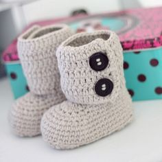 Toddler ankle boots, crochet pattern